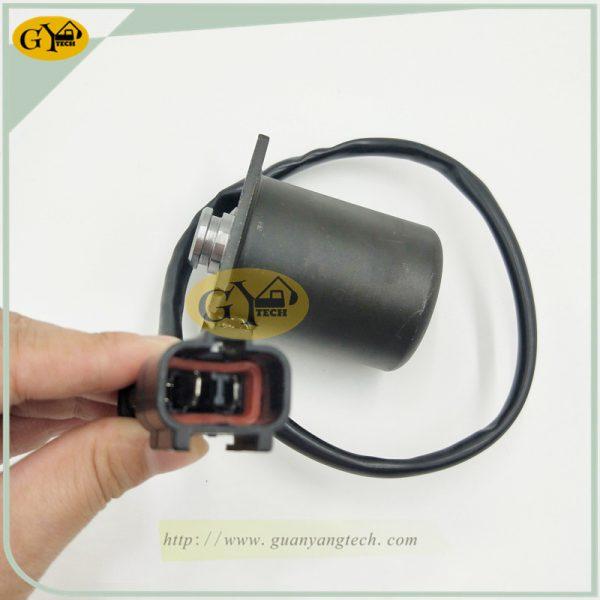 708-23-18272 solenoid valve 708-2H-25240 solenoid valve for Komatsu PC200-3 PC200-5