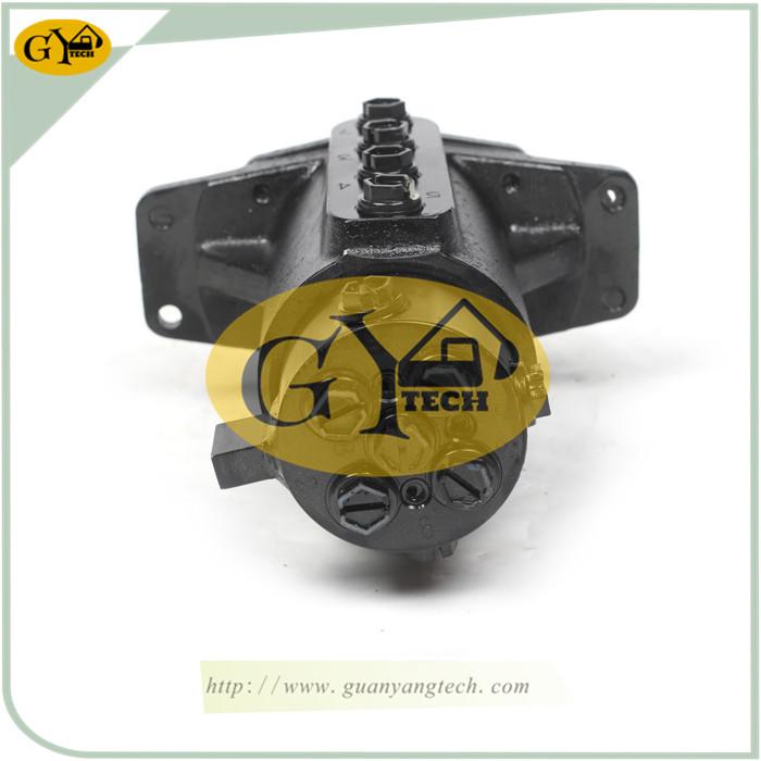 YC15 玉林版 3 - YC15 Center Swivel Joint Fit For Yuchai YC15 Excavator Center Joint Yulin Type