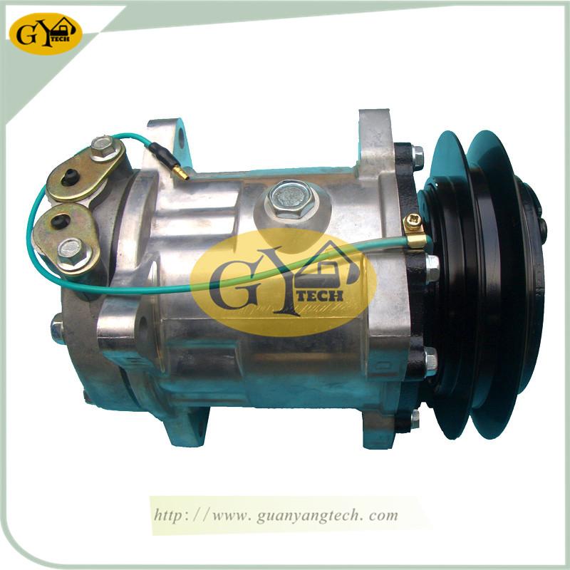 820上出 - KATO820 Air Compressor Pump  Excavator air conditional Pump for KATO Excavator 709-81900100 447200-7344 4472007344