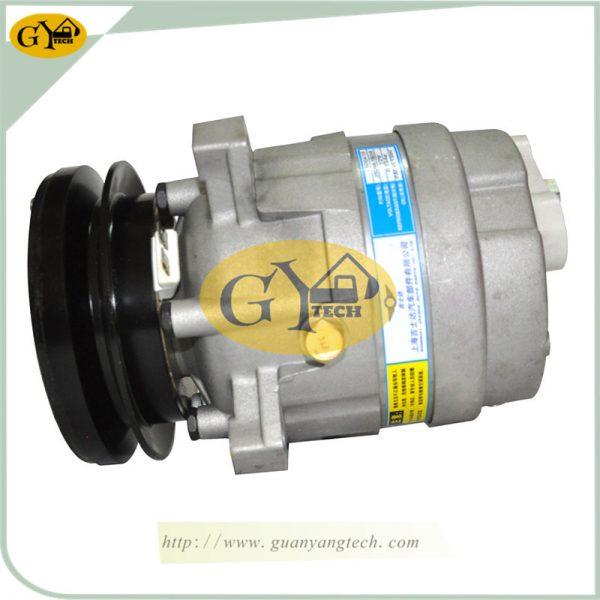 Daewoo Air Compressor Pump DH55 AC Compressor Pump Doosan Excavator air conditional compressor for Excavator